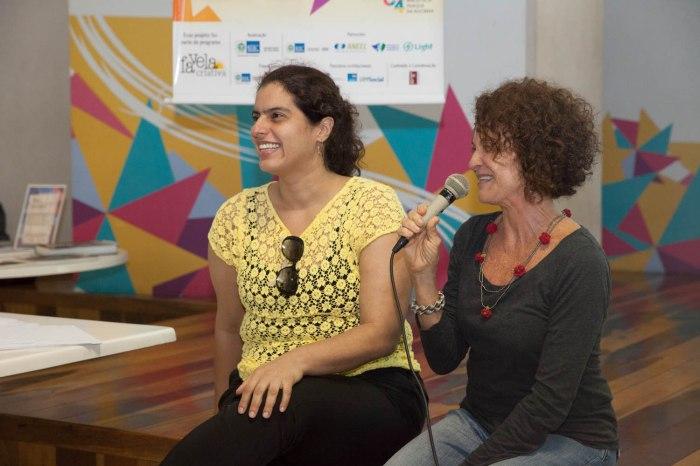 Quem abre o dia é a Daniele Ramalho. diretora da biblioteca e Ilana Strozenberg, coordenadora do Regiões Narrativas